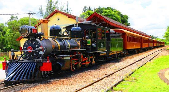 Maria Fumaca Steam Train